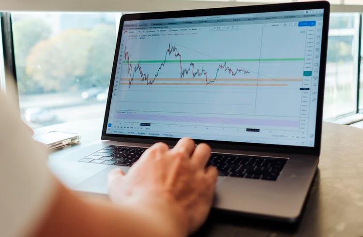 Veja as 10 ações com as melhores performances em maio