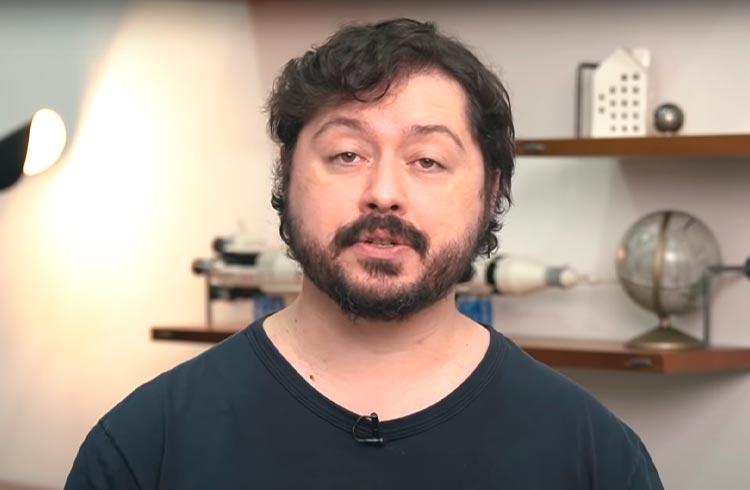 Átila Iamarino comete 5 erros em vídeo sobre Bitcoin; confira quais foram