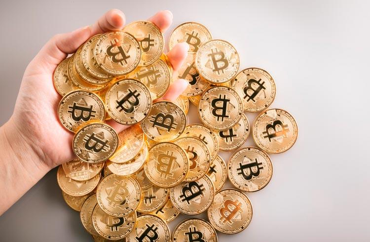 Baleias sacam R$ 6,2 bilhões em Bitcoin da Coinbase nesta manhã