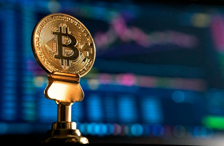 Bitcoin em exchanges atinge menor volume em 6 meses