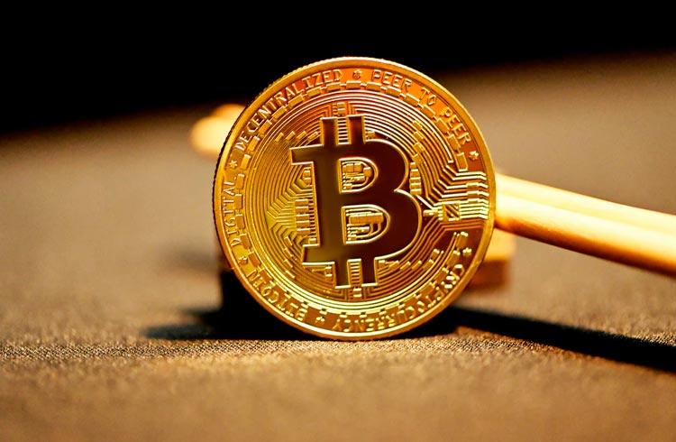 Bitcoin exibe queda e restante das criptomoedas acompanha