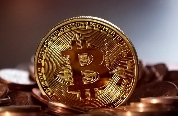 Bitcoin só atingirá topo em novembro de 2022, defende analista