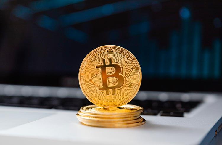 Carteiras de BTC de pirâmide são encontradas em Binance e Mercado Bitcoin