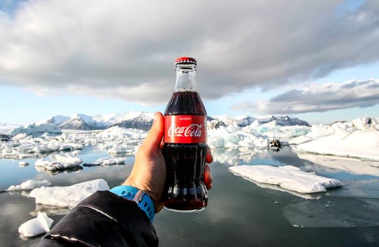 Coca-Cola anuncia NFTs e jaqueta especial da Decentraland