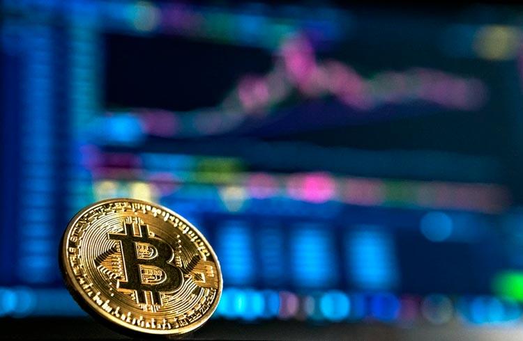 """Graficamente, a coisa tá feia para o Bitcoin"", diz Felipe Escudero"
