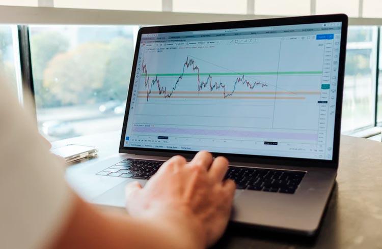 Analista indica que BNB, Dogecoin e outras duas altcoins estão prontas para novo rali