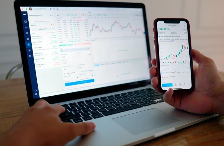 Analista opina: SafeMoon crescerá 80% enquanto Ethereum rompe os R$ 20.000