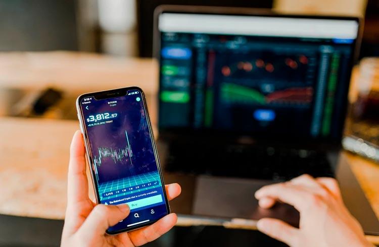 Analista prevê alta de 20% para XRP, Bitcoin e Litecoin no curto prazo