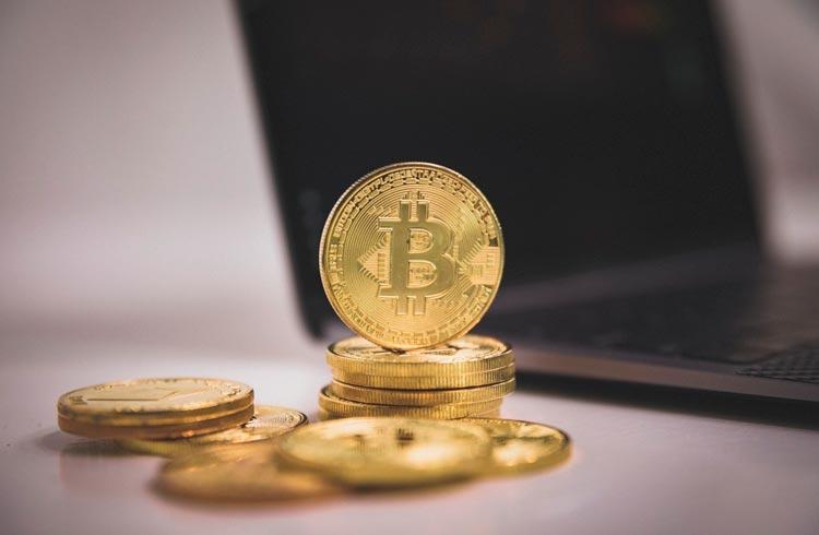 Assembleia de El Salvador aprova distribuição de US$ 30 em Bitcoin para cada cidadão