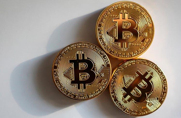 Bitcoin segue acima dos US$ 45.000; Cardano salta 10%