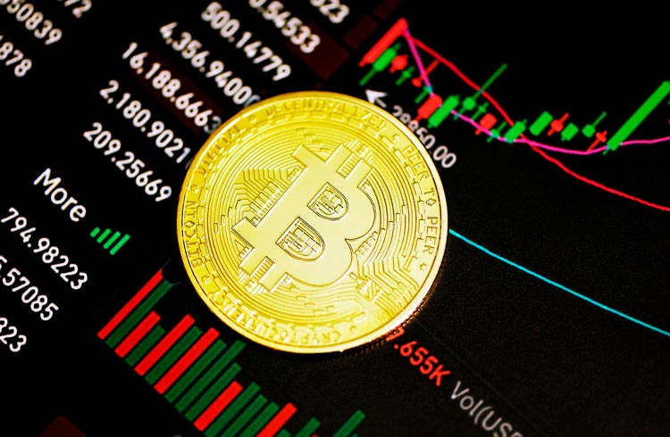 Bitcoin segue forte nos US$ 45.000, mas demais criptomoedas disparam