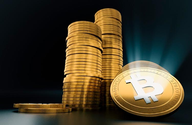Bitcoin sobe e puxa outras criptomoedas: confira opiniões de analistas do TradingView