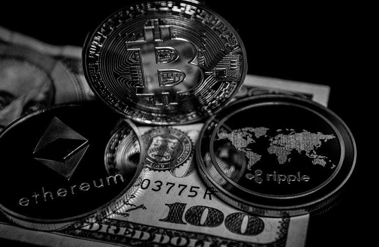 Exchange é multada em R$ 52 milhões por vender criptomoedas sem autorização