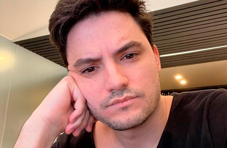 Felipe Neto ataca de analista de criptomoedas e indica comprar CAKE