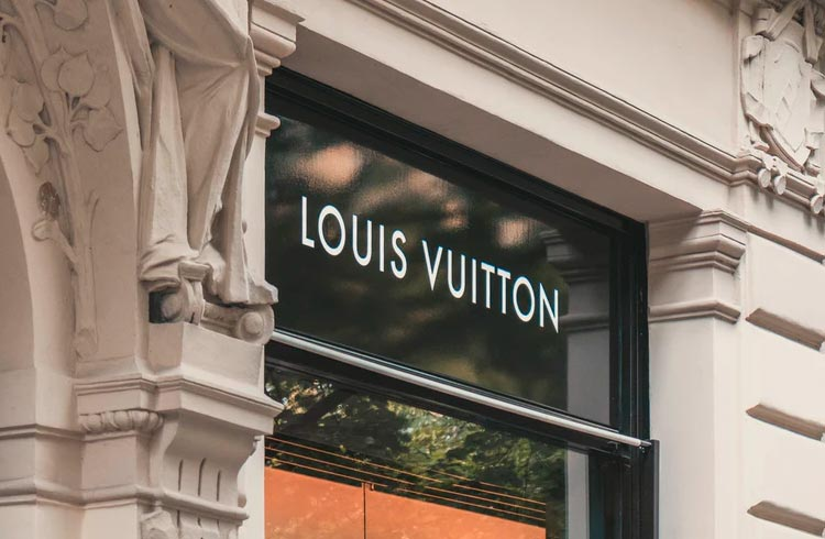 Louis Vuitton vai lançar jogo em NFT igual Axie Infinity