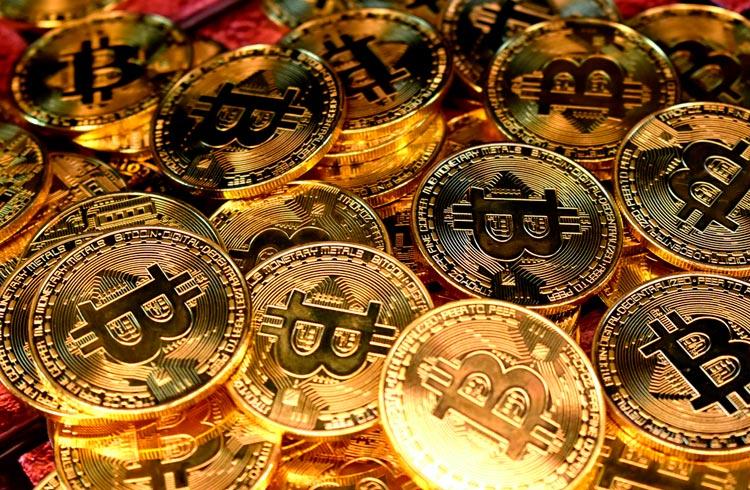 """Primo Rico faz vídeo defendendo Bitcoin: """"dinheiro não é seu"""""""