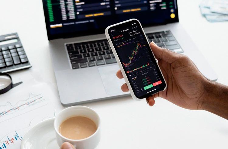 Bitcoin amanhece com alta de 3% e AXS sobe 20% durante a madrugada