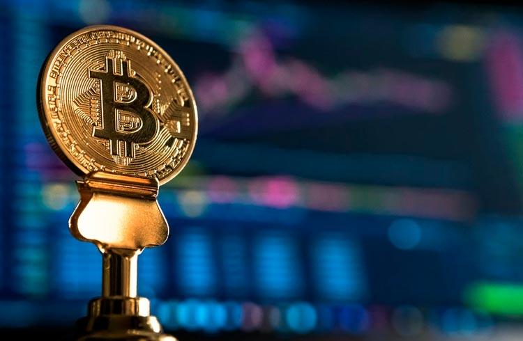 Bitcoin amanhece na casa dos US$ 43 mil e AXS sobe mais de 26%