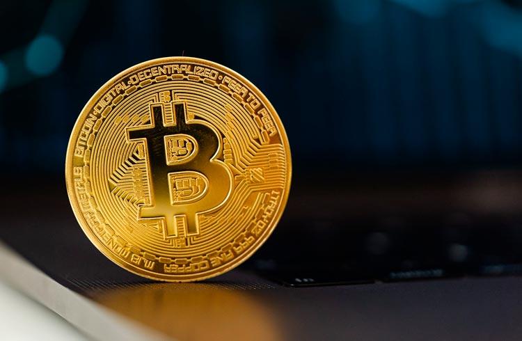 Bitcoin cai 9% em setembro e atinge longa sequência negativa