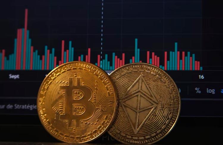 Bitcoin chega aos US$ 48 mil e Ethereum acompanha. Solana reestabilizada volta a subir.