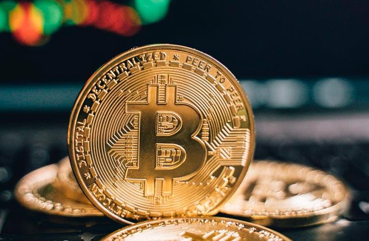 Bitcoin já acumula queda de 14%. Mercado de criptomoedas acompanha baixa