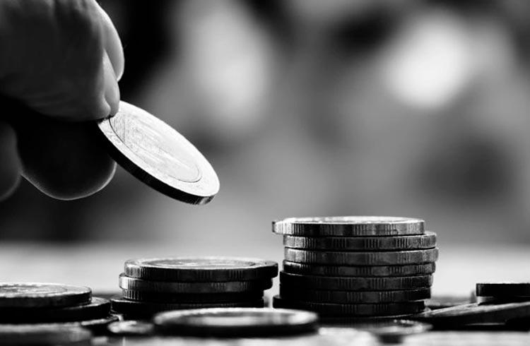 Coinbase desiste de oferecer juros em criptomoedas após ameaças da SEC
