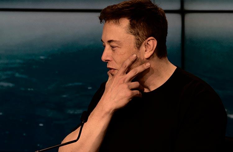 Elon Musk faz criptomoeda disparar 109% após publicar foto de seu cachorro