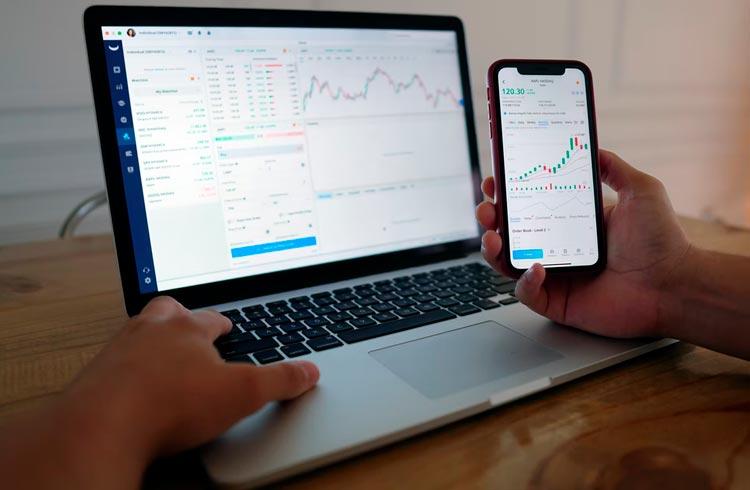 Mercado de criptomoedas sofre mais um dia de queda. Token AXS sobe 6%