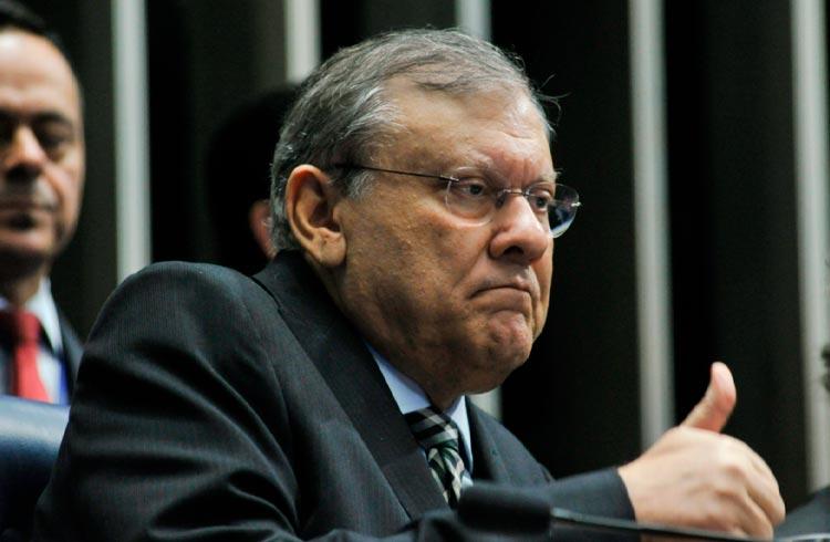 Milton Neves quer comprar criptomoeda e questiona qual deve comprar
