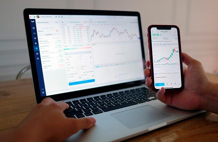 Nova queda atinge o mercado de criptomoedas e Bitcoin vai a US$ 44 mil