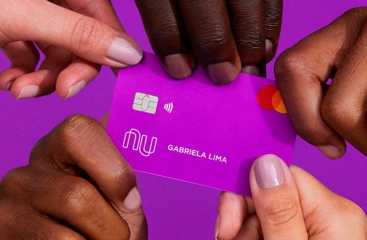 Nubank fecha parceria com Creditas e prepara entrada no mercado de crédito