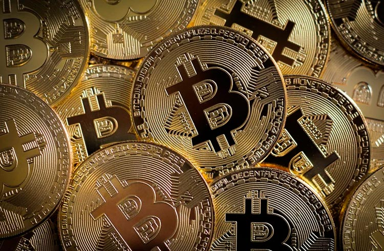 Polícia apreende R$ 2 milhões em Bitcoin e prende milicianos do Rio que usavam criptomoedas para lavar dinheiro