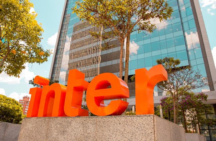 Banco Inter sobe 6% após confirmação de listagem de ações nos EUA