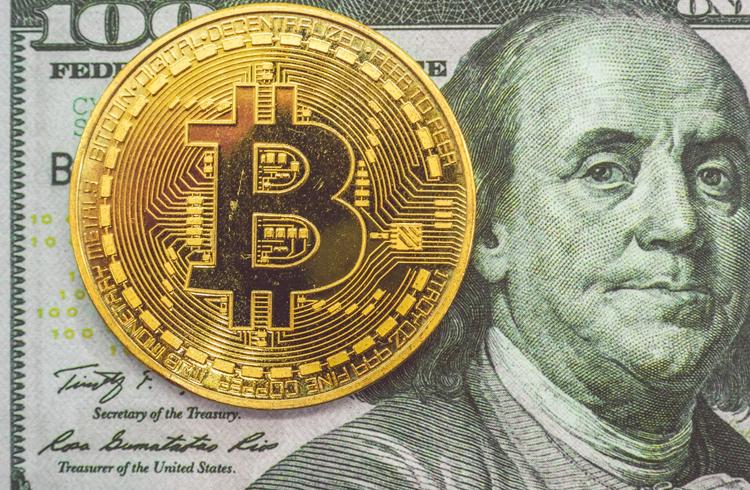 Bitcoin atinge US$ 62 mil e mercado atinge record de valor total