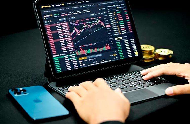 Coluna do TradingView: Mercado ensaia rompimento mas inicia quarta-feira escorregando