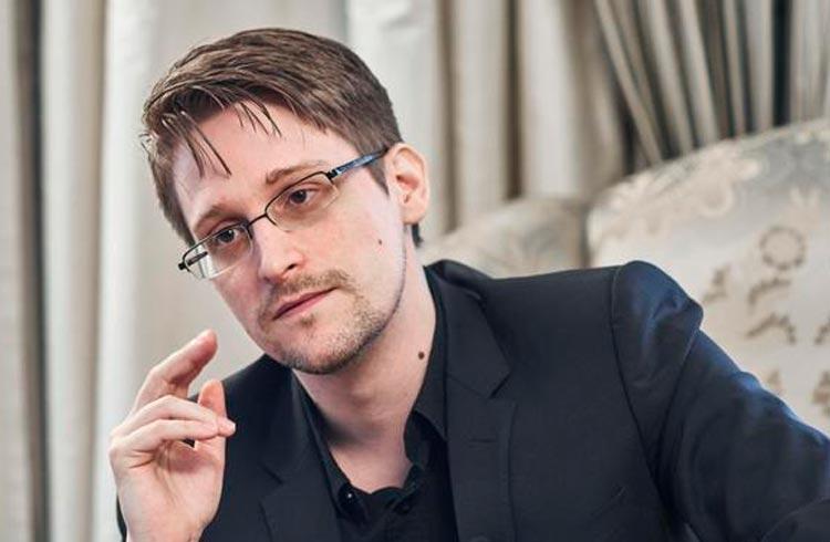 Edward Snowden: governos vão destruir a poupança dos cidadãos com CBDCs
