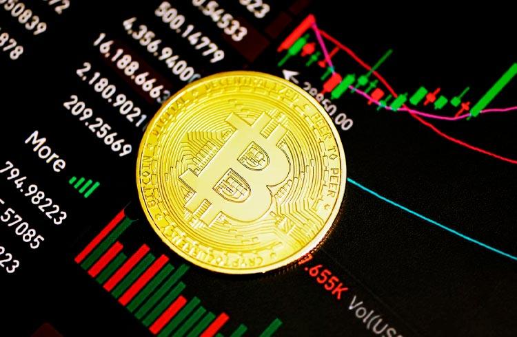 ETF de Bitcoin faz sucesso e movimenta quase US$ 1 bilhão no 1º dia