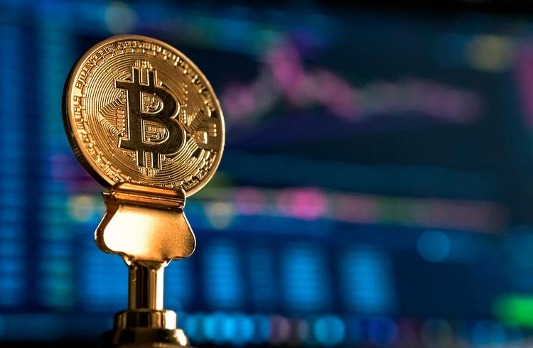 SEC pode aprovar 4 ETFs Bitcoin no fim de outubro, diz relatório da Bloomberg