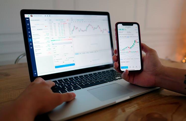 Trader aponta duas criptomoedas que podem superar o Bitcoin em valorização